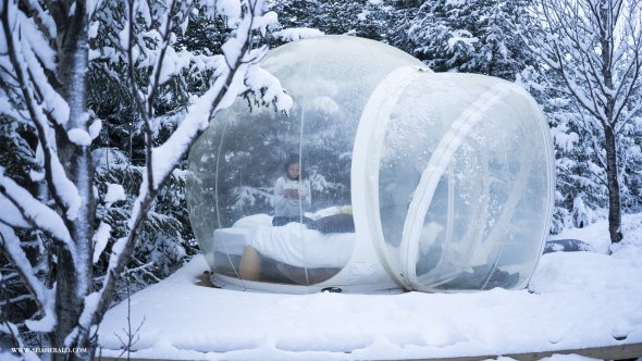 Bubbles Hotel - Iceland C