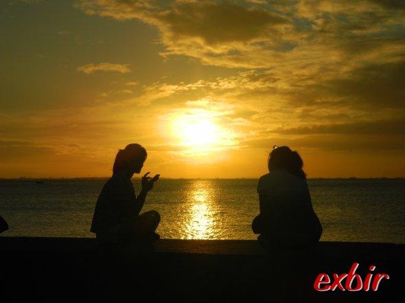 Sonnenuntergang in der Bucht von Manila.  Foto: Christian Maskos