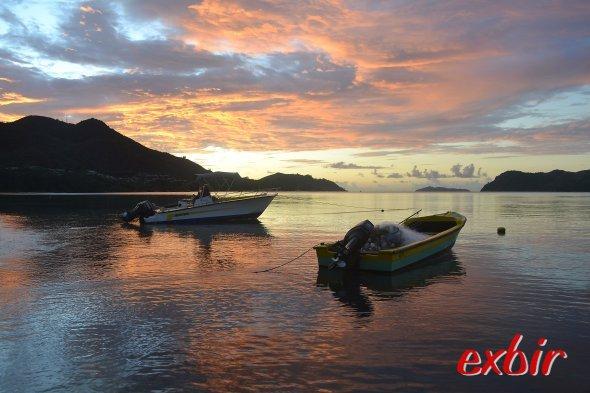 Sonnenuntergang auf Praslin.  Foto: Christian Maskos