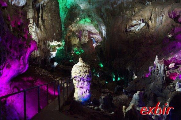 Tropfsteinhöhle bei Kutaisi.  Foto: Christian Maskos