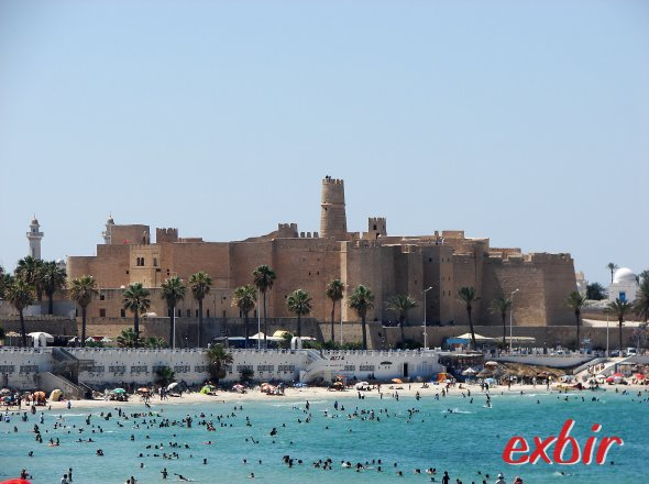 Badeurlaub in Monastir vor der Festung El Ribat.