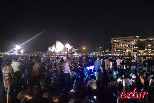 Warten auf das große Feuerwerk und das neue Jahr mit toller Sicht auf das SydneyOpera House.Foto:Christian Maskos
