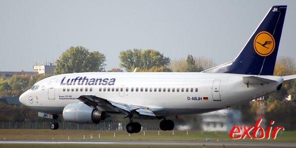 Ab dem 1. Mai nimmt die Lufthansa auf allen europäischen Flügen und nach Nordafrika eine Gebühr für Aufgabegepäck.  Bei ihren Partner United Airlines und US Airways oder Air NEw zealnd ist dies in günstigen Buchungsklassen schon länger üblich.  Foto: Christian Maskos