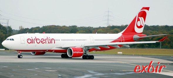 Air Berlin baut das Langstreckenetz um - Experten sind verwundert.  Foto: Christian Maskos